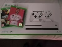 Xbox One S 1tb Two controllers