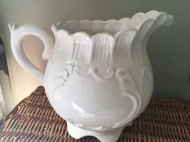 Flower pot, teapot style