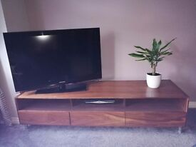 Solid oak dwell TV unit