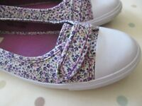 Next – ditsy print pumps – size 6