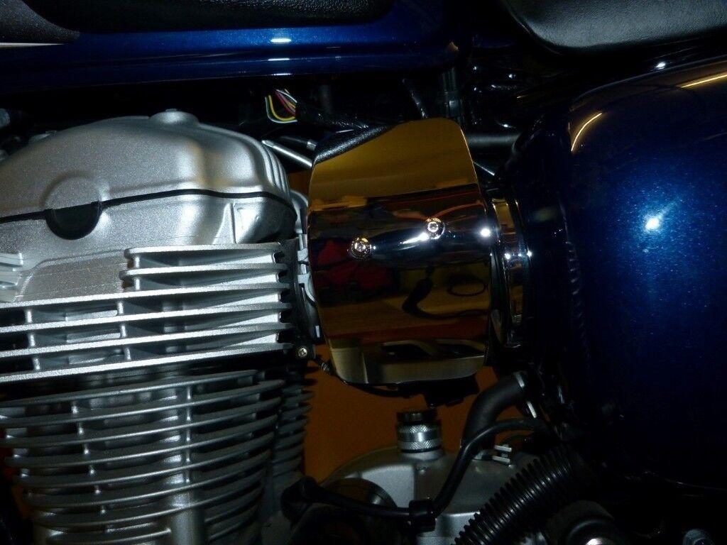 Kawasaki W800 Oil Temperature Gauge & Chrome LHS injector cover