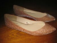lady's pink and gold party shoes size 40. These shoes have low heels