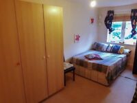 Spacious Double Room available in East Finchley