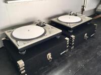 Original technics 1200 with flight cases