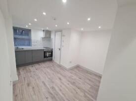 Private landlord, zero deposit options , stunning studio flat just renovated, must be seen!!