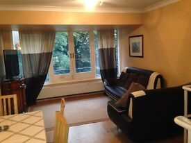 3 Bedroom Flat in Bayswater, W2 6AS