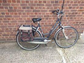 ladies Avenue toledo 700c Wheel 21 inches Frame 3 Speed Hybrid City Bike Grey Used