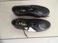 Men's Black leather Padder shoes. Size 6 1/2. Lace up. NEW in box