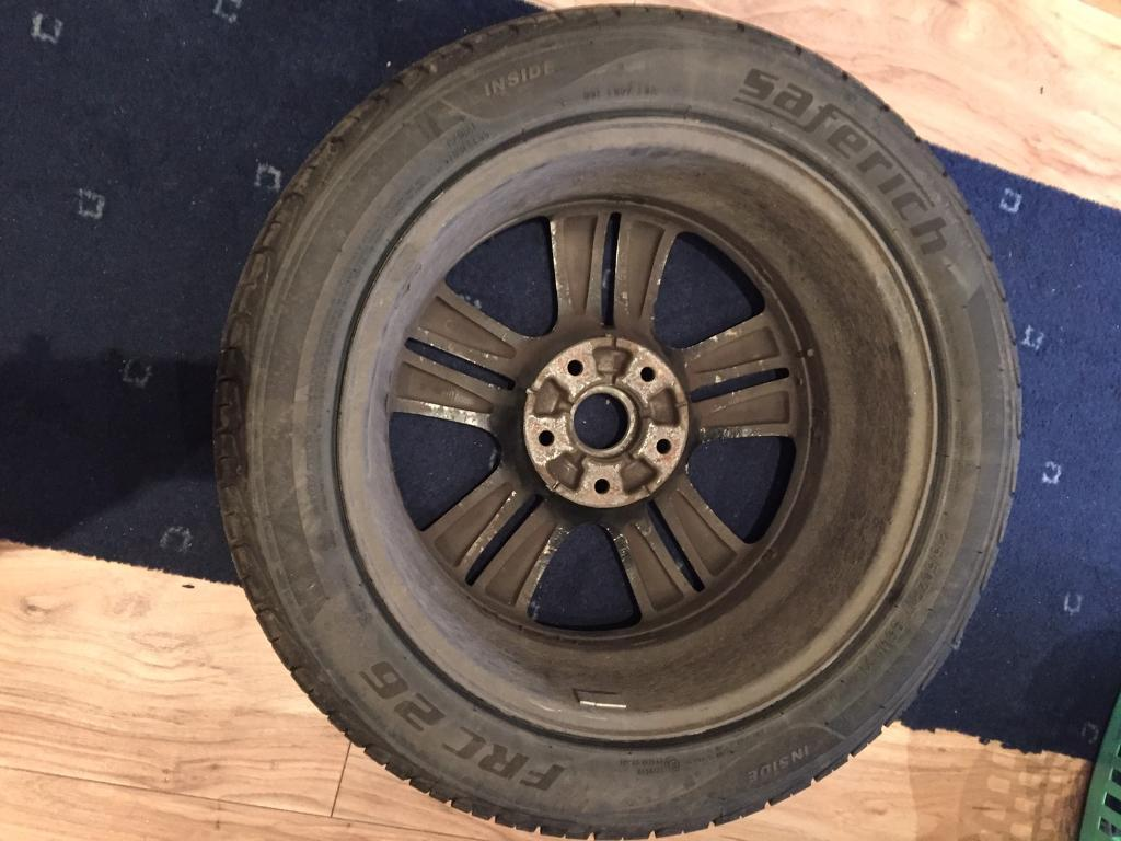 """Tyre with Alloy 17"""""""
