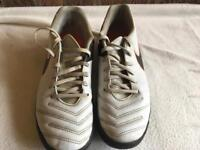 Tiempo nike mem's trainers off white size 7 used £5