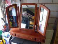 Dressing table mirror, adjustable, ideal for bedroom chest of drawers