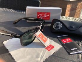 Ray ban sun glasses new in box unisex