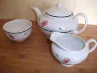 Pretty Poppy design Johnson brothers (part)tea set