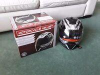 Unused motorcycle crash helmet - medium
