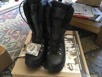 Sneaker Aqua Alt-Berg Boots size 6 medium