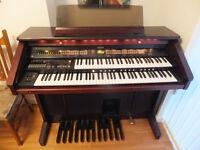 Roland Atelier AT-80 Organ