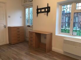 Studio Flat to Rent - Winchmore Hill N21 2PT