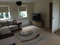 Spacious 2 bedroom flat to rent - near train station