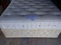 KINGSIZE 4 DRAWER DIVAN IN EXCELLENT CONDITION