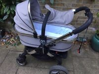 Nearly New iCandy Pram with carry Cot