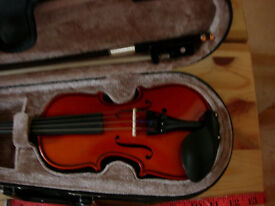1/16 size violin with bow and case-gorgeous tiny real violin for 3-5 years old-plays beautifully