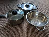 Household clearance -pans, knifes, bowls