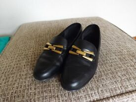 Hush Puppies Ladies Flat Shoes - Black Leather size 6.5