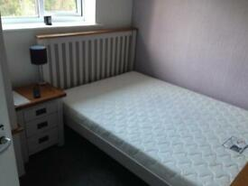 Lovely Double Room to rent - £450pm All bills incl. Rochester/Chatham