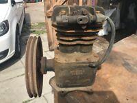Twin piston air pump