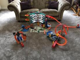 HOT WHEEL SETS AND MULTIPLE CARS KIDS TOYS