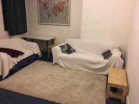 Single room in Putney