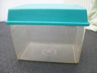 Plastic Tank with Lid