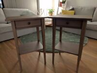 2 bedside cabinets in perfect condition