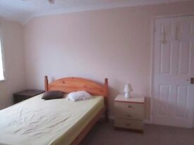 Master bedroom in Kidlington, 550 per month all inclusive