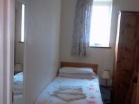 Tidy single room in Mile End