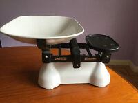 Kitchen Scales Vintage W & T Avery Birminham plus weights