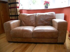 2 SEATER LEATHER SOFA IN LOVELY CONDITION
