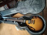 Epiphone Dot & Epiphone case. Very good condition.