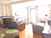 Large Double Room in 4-Bedroom House Share - Rent All Inclusive (with living room and garden)