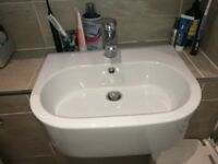 Nearly new white recess bathroom sink
