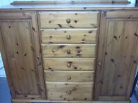 Ducal Combination Unit in Solid Pine