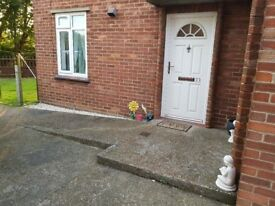 Ground floor 2 bed flat, with garden