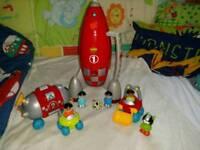 ELC Happyland Moon Base & Lift Off Rocket