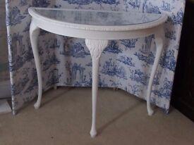 pretty demilune table