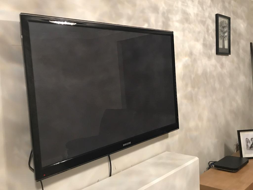 samsung tv 50. samsung tv 50 inch - has one line of dead pixels tv