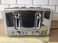 BRAND NEW TOASTER 4 SLOT - GREY