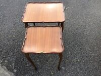 Nest of 2 vintage coffee tables