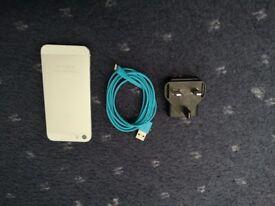 iPhone 5s 16gb (Unlocked Apple smartphone, good condition)