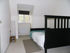 Spare Double Room Available to Rent from Monday to Friday in Langley Slough