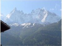 Skiing at Christmas £450 Dec 20-27, Jan 14-20 £400 Fantastic city center apartment in Chamonix Alps